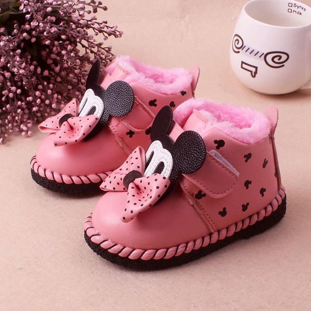 Baby girl Hot Butterfly-nudo Encantadora Caliente Del Invierno Del Bebé botas de nieve antideslizantes Inferiores Suaves de La Moda rosa Roja Mickey Mouse Bebé Botas