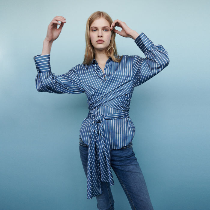 Women Shirts 2019 Spring and Summer Models Blue Striped Bow Belts Casual Shirts