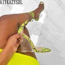 AIYKAZYSDL/женские босоножки неонового, зеленого, желтого цвета; прозрачные босоножки на танкетке с ремешками на лодыжке и змеиным принтом; римские сандалии; туфли-лодочки