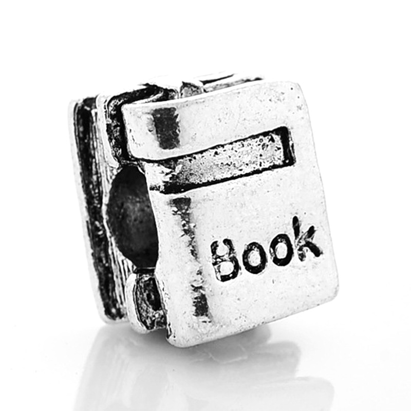 pandora libro charm