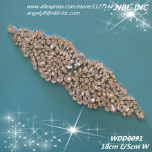 (30pcs) Wholesale hand beaded sewing silver crystal rhinestone applique patch iron on for dresses WDD0091(China)