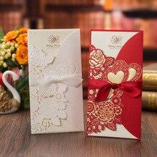 50 шт. свадебные пригласительные открытки с лазерной огранкой, открытки с сердечками и розой, открытки на заказ, конверты с лентой, товары для свадебной вечеринки