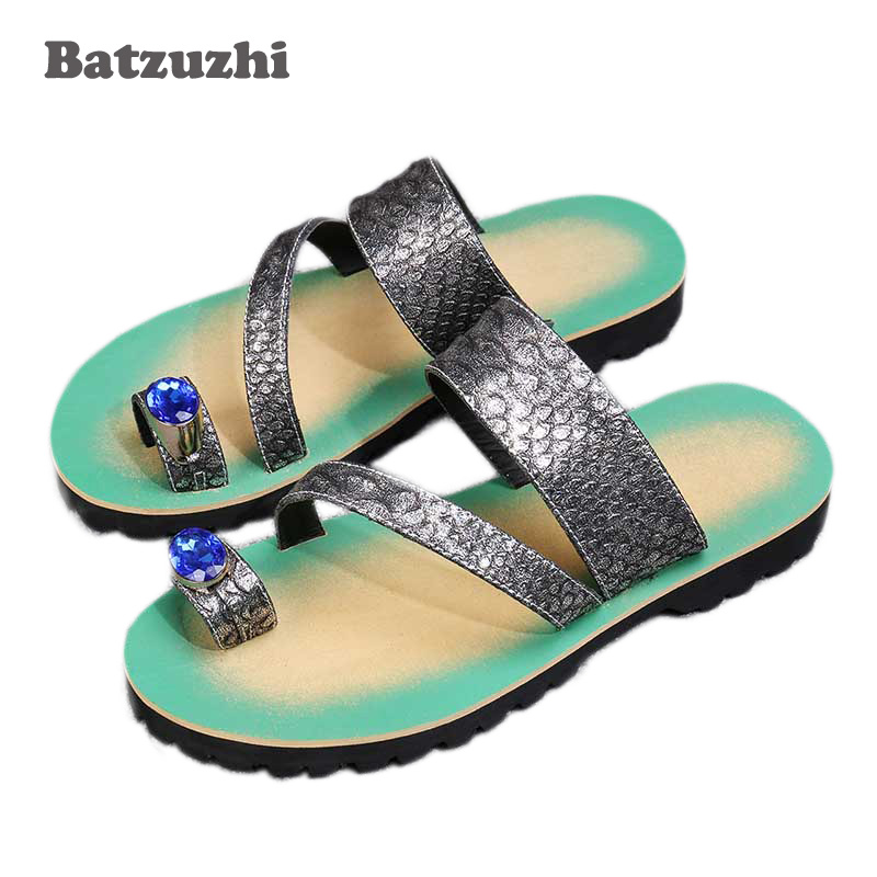 Здесь продается  2018 New Men Summer Sandals Leather Beach Shoes Men Casual Mens Slippers 2018 Gold Silver Flip Flops Open Toe with Big Crystals  Обувь
