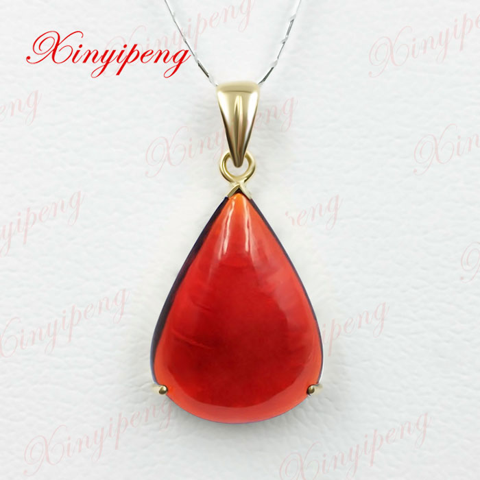 18 k yellow gold with 100% natural garnet pendant Simple and easy Fine jewelry All clean flawless Wine red