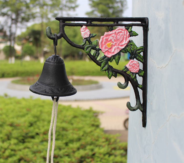 Cast Iron Dinner Bell Peony Flower Welcome Hanging Bell Western Farm Ranch Patio Garden Gate Yard Door Bell Outside Free Ship