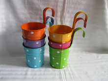 10 pçs/lote Pendurado Jardim caixa de lata balde D9.5XH17CM panelas de Ferro Varanda Vaso de Flores Plantador Do metal Dot design colorido