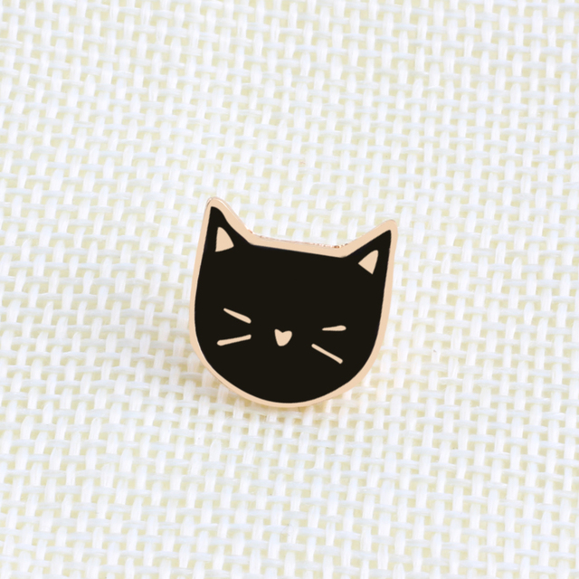 Cartoon Cat Shaped Enamel Brooches 2 pcs Set