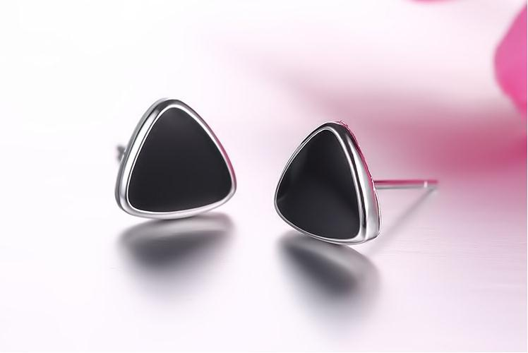 100 925 sterling silver fashion black Triangle ladies stud earrings jewelry Anti allergy female birthday gift drop shipping in Stud Earrings from Jewelry Accessories