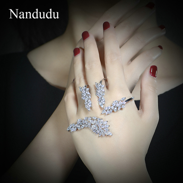 Nandudu Fashion Jewelry Palm Bracelet White Gold Plated Cubic Zirconia Hand Cuff Super Star Jewelry Gift R1057