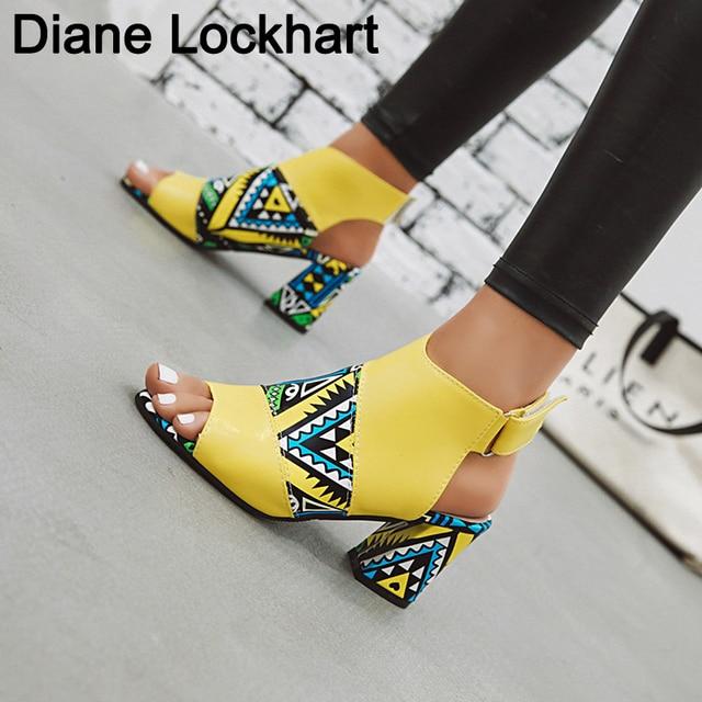 93ace1662 Mulheres À Moda do Impressão Sandálias Botas Peep Toe Bracelete de Salto  Alto Verão Gladiador Sapatos Mulher sandalias mujer Verde Amarelo 2019