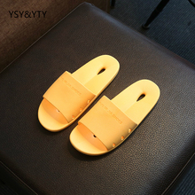 2017 new Bathroom slippers summer couple home indoor thick non - slip bath plastic soft bottom leaky cool