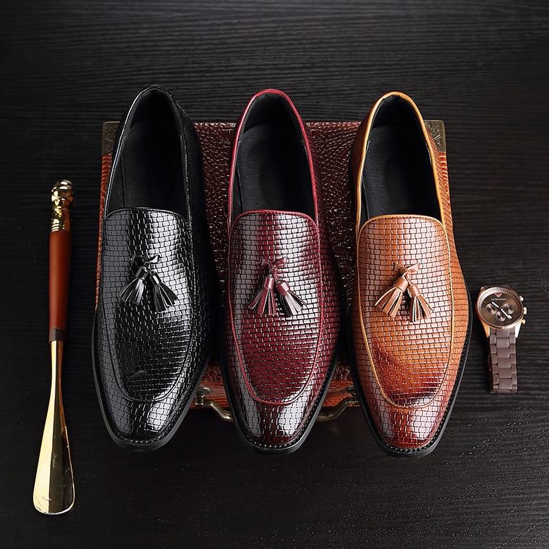 Big Size 37 48 Retro Tassel Leather Loafers 2019 Men Business Dress Shoes Pointed Flat Men Formal Wedding Shoes