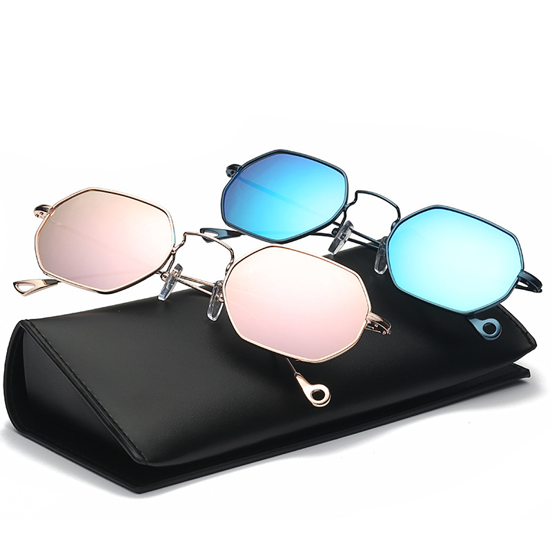 New Fashion Small Square Women Sunglasses Unisex Personality Plain Glasses Brand Designer Cool Driving UV400 Vintage