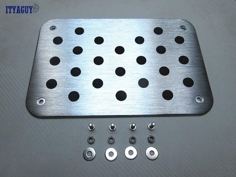 Alta qualidade Piso Tapete Mat Pad Pedal Placa Do Pé Resto Set Para BENZ A B C E S classe GLA GLC ML GL GLK G Auto de Alumínio com logotipo