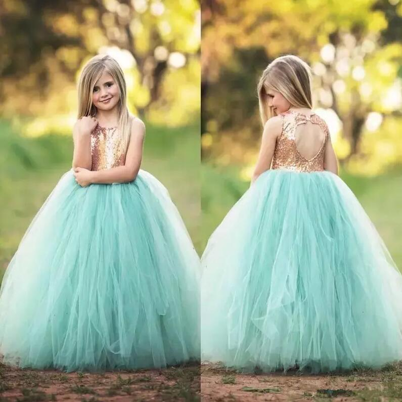 2018 Gold Sequined Flower Girls Dresses For Weddings Jewel Tulle Girls Pageant Dresses Hollow Back First Communion Dress 2018 Gold Sequined Flower Girls Dresses For Weddings Jewel Tulle Girls Pageant Dresses Hollow Back First Communion Dress