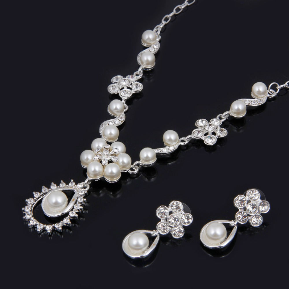 ee2d61dbd New Coming Classic Imitation Pearl Necklace Jewelry Sets Elegant Gold  Plated Party Pearl Bridal Wedding Costume Jewelry Sets-in Jewelry Sets from  Jewelry ...