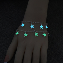 цена на 925 hot style in Europe and America the night glow silver plated bracelet bracelet luminous stars hearts flowers Hand catenary