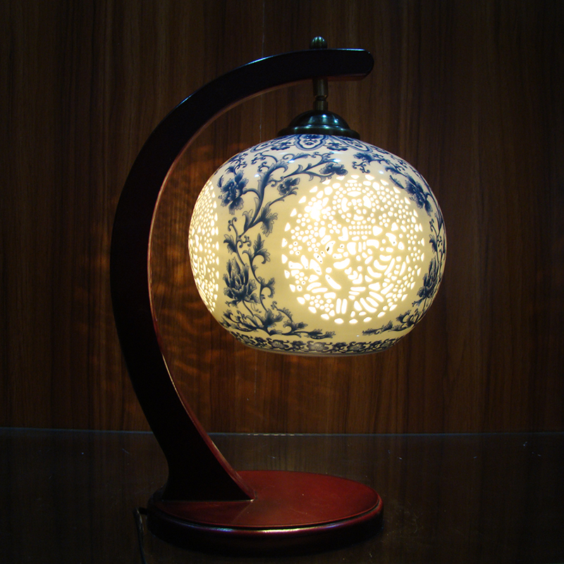 Old traditional vintage chinese porcelain ceramic table - Traditional table lamps for bedroom ...