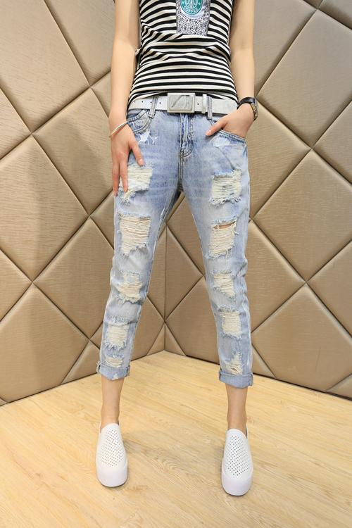 2017 new straight hole jeans beggar woman nine pants loose slim waisted pants Haren BF wind all-match Korean Students