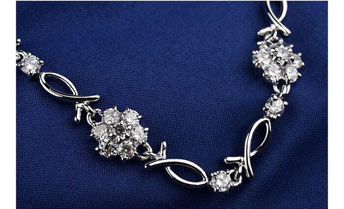 White Gold Color Top Quality Cubic Zirconia Snowflake Design Charm Bracelet For Women