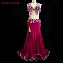 חדש בטן ריקוד Cothes! נשים ביצועים להראות סט בטן ריקוד יוקרה חזייה + פיצול חצאית + חגורת 3pcs בעבודת יד בטן ריקוד סט