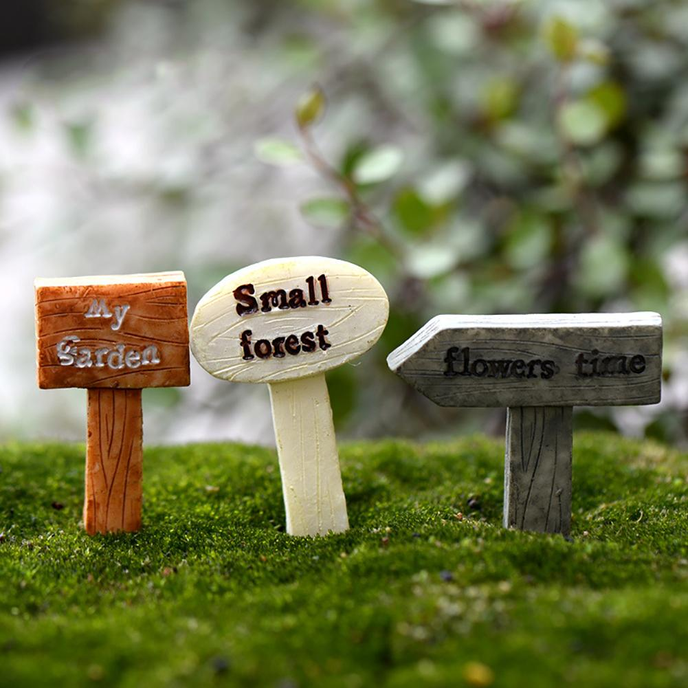 1Pc Cute Fingerpost Mini Garden Landscape Miniature Ornaments DIY Scenery Yard & Garden Decor