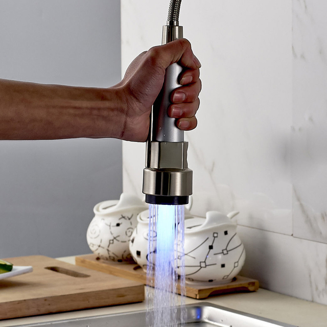 LED Licht Gebürstetem Nickel Herausziehen Sprayer Küchenarmatur ...