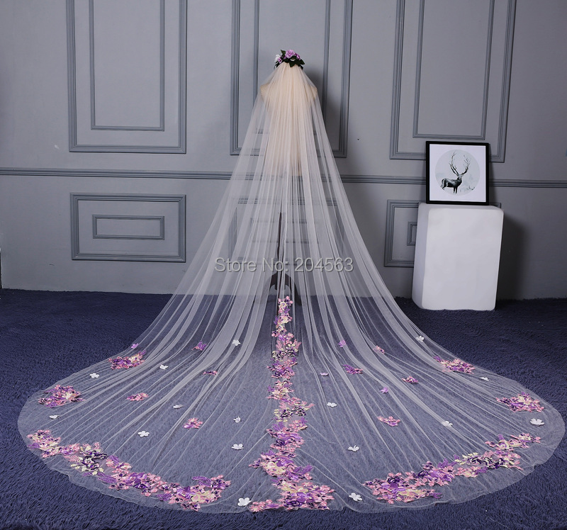 One Layer Wedding Veil with Color Appliques Unique Long Bridal Veils with Comb YHG2019