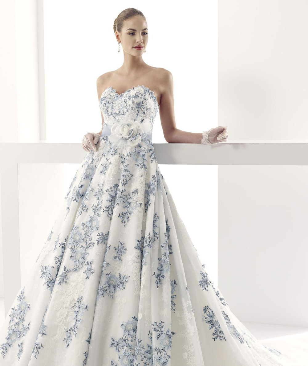 Vintage Dresses Blue Wedding: Blue And White Wedding Gown Vintage Applique Wedding Dress