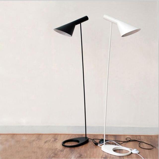 stehlampen design interesting with stehlampen design affordable design stehlampe paris weiss. Black Bedroom Furniture Sets. Home Design Ideas