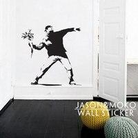 バンクシー花投げマスク男壁ステッカー壁画壁紙壁デカールアート現代ファッショナブルな部屋80*80センチホーム装飾