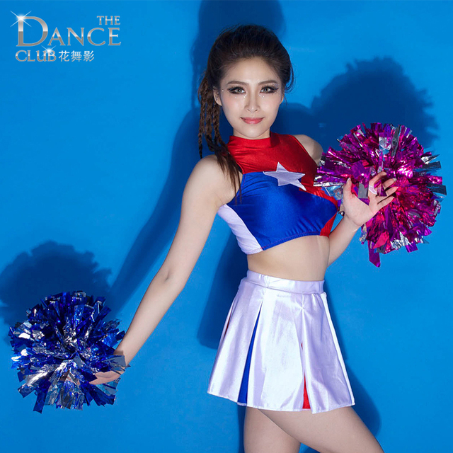 Cheerleaders sexy dance — img 1