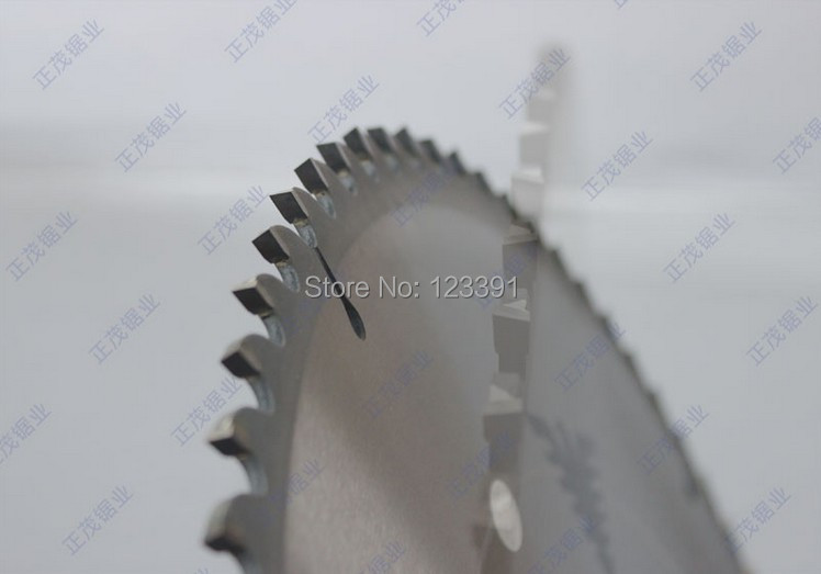 Promotion sale quality 450*4.0*30*80Z tct saw blade with high density carbide tipped saw blades for hard wood/timber/log cutting no 1 twist plaster saws jewelry spiral teeth saw blades cutting blade for saw bow eight kinds of sizes 144 pcs bag