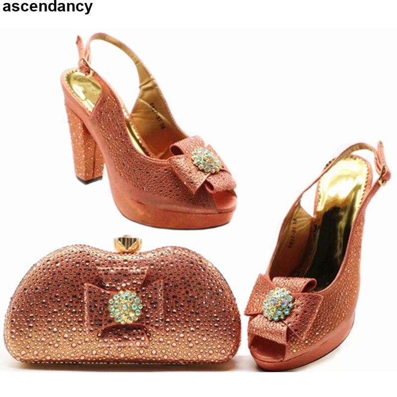 f1e6e56b Las Mujeres Dark Blue peach Para Nuevos rojo Establece 2019 Alto Bolsos A  Set Con Tacón Zapatos Y Diamantes Bolsa Juego ...