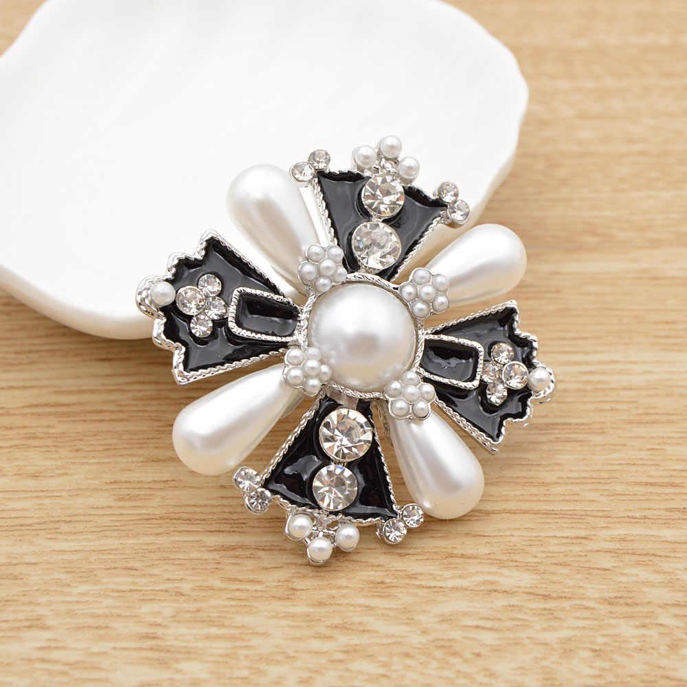 Cindy Xiang Berlian Imitasi dan Mutiara Cross Bros untuk Wanita Fashion Gaya Baroque Perhiasan Mantel Musim Dingin Aksesoris Korsase Bros