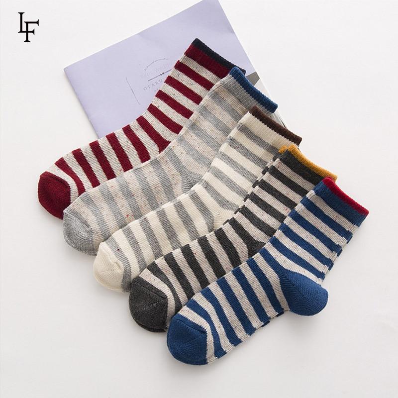 [LETSFIND]2017 High Quality Stripe Pattern In Tube Socks Women Breathable cotton Absorb Sweat Socks Autumn Winter Meias Feminina