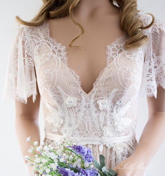 LORIE Boho Wedding Dress 2020 V Neck Cap Sleeve Lace Beach Wedding Gown Cheap Backless Custom Made A-Line Bride Dresses 2