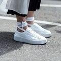 Celebrity Style Mulheres Lace Up Altura Crescente Sapatos Casuais Sapatos de Plataforma Baixa Top Sapatos Ao Ar Livre Preto Branco Sapatos De Camurça Mulher