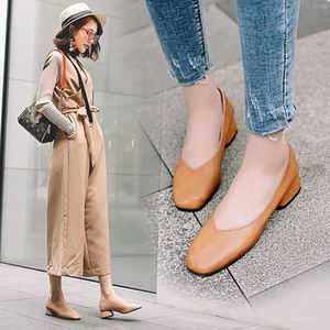 Image 2 - 2020 new arrive women pumps High quality Soft leather square toe fashion single shoes big size 34 40 N700