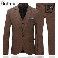 Batmo 2017 new arrival autumn skinny casual brown suits men ,wedding dress,plus size M 5XL TZ77