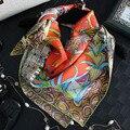 Nuevo Estilo de Patrón de Impresión Cuadrados Bufandas Abrigos de la Venta Caliente de Las Mujeres De Seda Rosa Silenciador Mantón de La Bufanda Unisex De Seda Musulmán SA