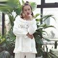 2016 Senhoras Conjuntos de Pijama Em Casa de Manga Longa O-pescoço Camisolas + Calça Floral Oco Quente Lã Macia Pijamas Mulheres Ternos do Sono