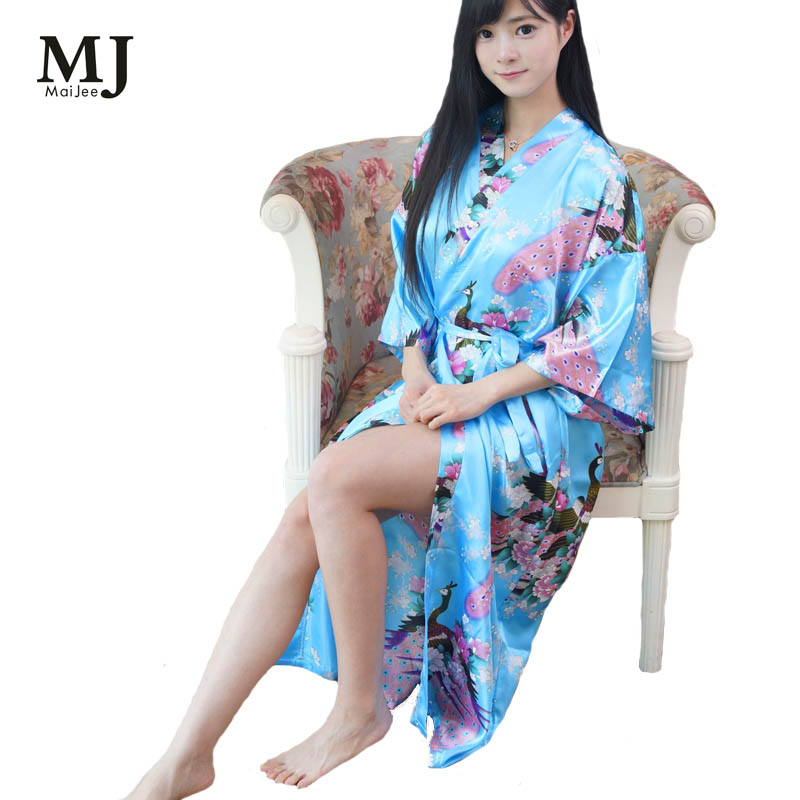 Aliexpress.com   Buy Big Size Long Robes Women Robe Sexy Dressing Gown Silk  Peignoir Batas De Seda Pink Satin Robe Floral Satin Robe Femme Bathrobe  from ... 1092fa3f0e22