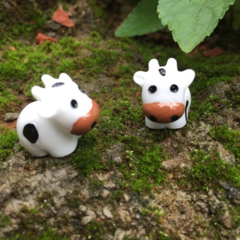 ZOCDOU 2 Pieces Milch Milk Cow Dairy Cattle Australia USA Model Small Statue Little Figurine Crafts Figure Ornament Miniatures