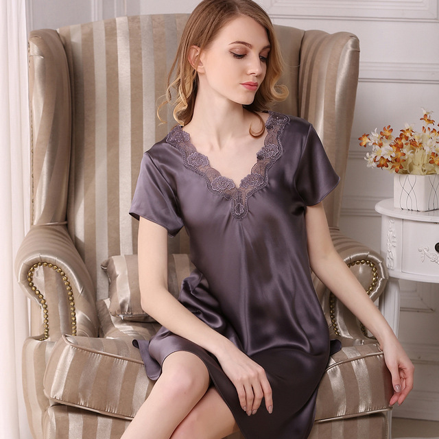 2019 Summer Women s Sexy Silk Nightgowns 100% Mulberry Silk Pyjamas Short- Sleeved Lace V-Neck Sleepwear Lounge Female S2501 3d70d59e9