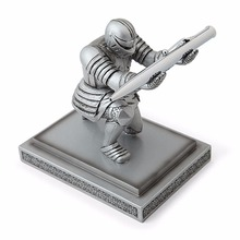 1 Pc/Pack Cool Classic Resin Knight Kneeling Pen Holder & Pen Stand for School Stationery & Office Supply