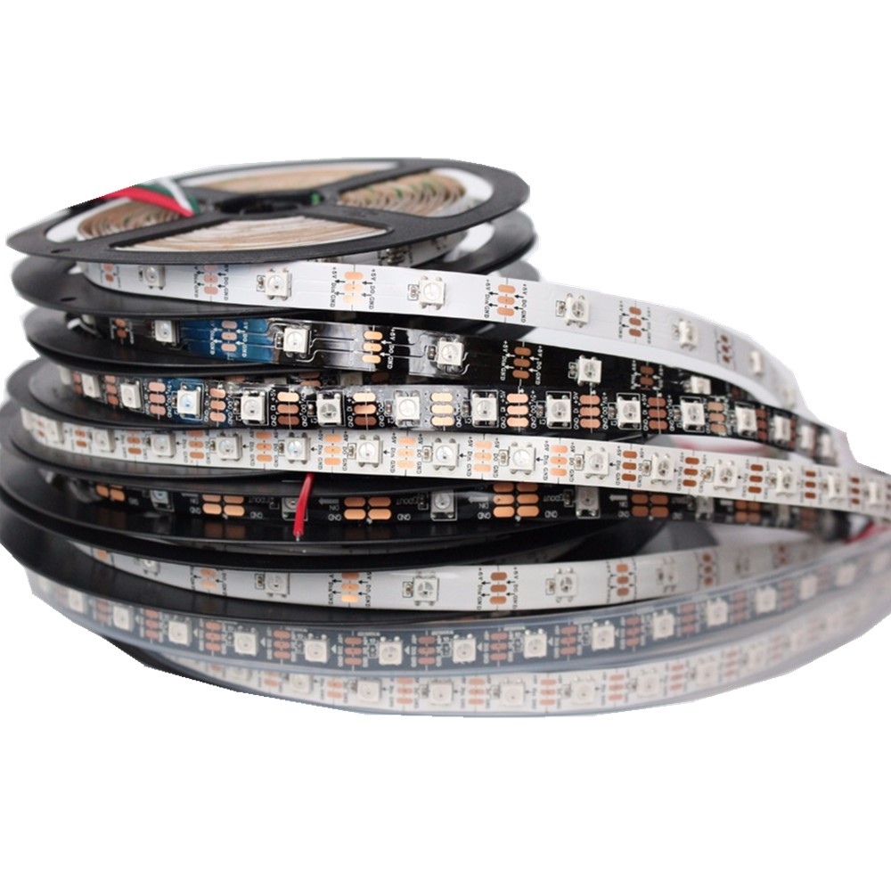 DC5V 1m / 5m svart / vit PCB 30/60/144 LED / m WS2812IC 30/60/144 LED-pixlar WS2812B Smart LED-pixelremsor