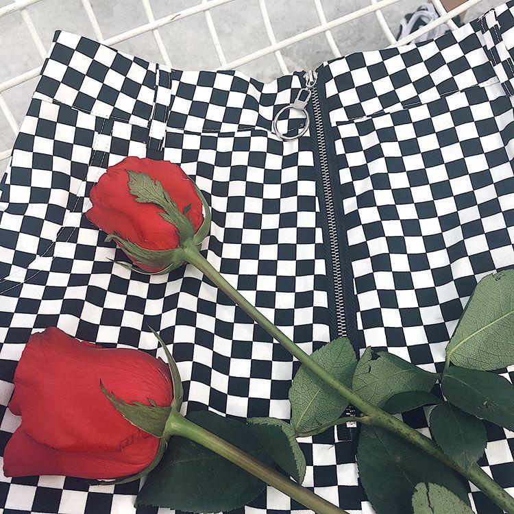 HTB15hljQFXXXXayXVXXq6xXFXXXP - vintage Black White Plaid Circle Zipper Women Slim Skirt PTC 195