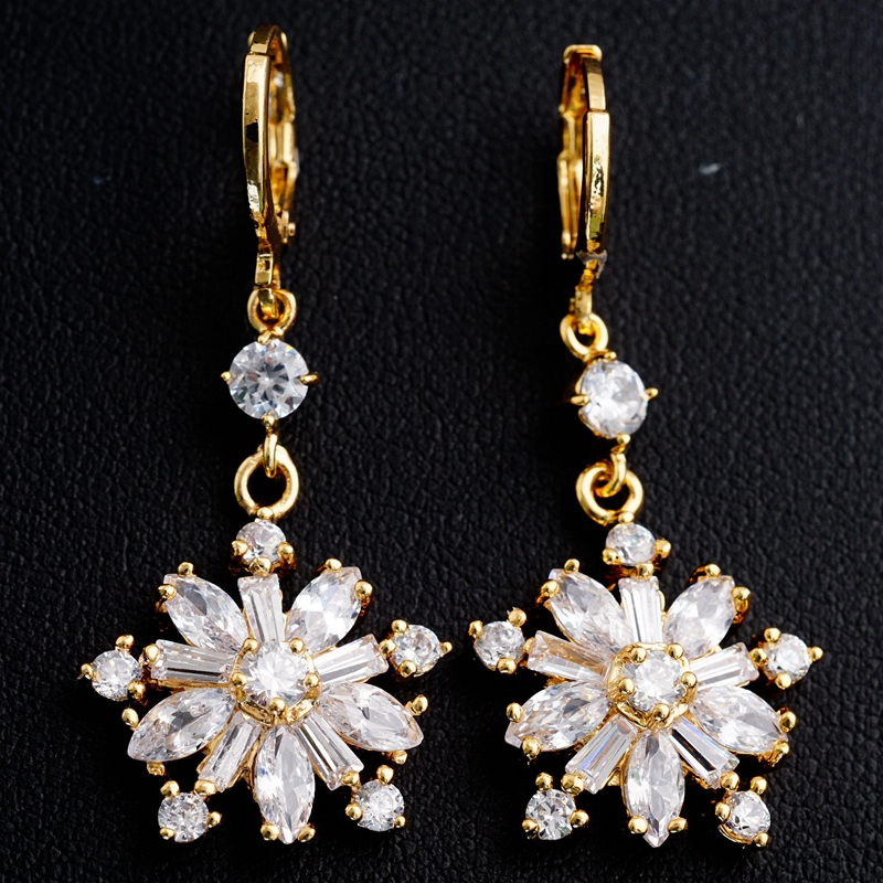 Yunkingdom New Hot Sell Jewelry Gold Color White Cubic Zircon Glorious Drop Earrings For Lovely Girls Gift Boxes