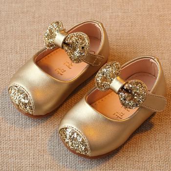 Miękkie noworodka dziewczynka pierwsze buty spacerowe złoto różowe srebrne iskry dziecięce buty dziecięce buty dla małego dziecka miękkie dno dziecięce buty księżniczki B tanie i dobre opinie Dla dzieci Pierwsze spacerowiczów Skóra Hook loop Drukuj Butterfly-knot Wiosna jesień Pasuje prawda na wymiar weź swój normalny rozmiar